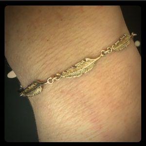 925 Sterling Silver Italian Leaf Bracelet: 7'-8'
